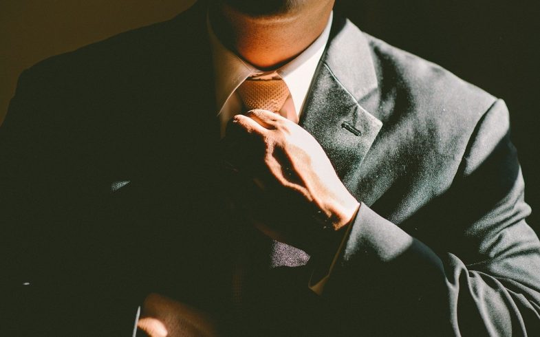 Pourquoi vous devez vous débarrasser du jean et du sweat à capuche si vous voulez devenir PDG ?