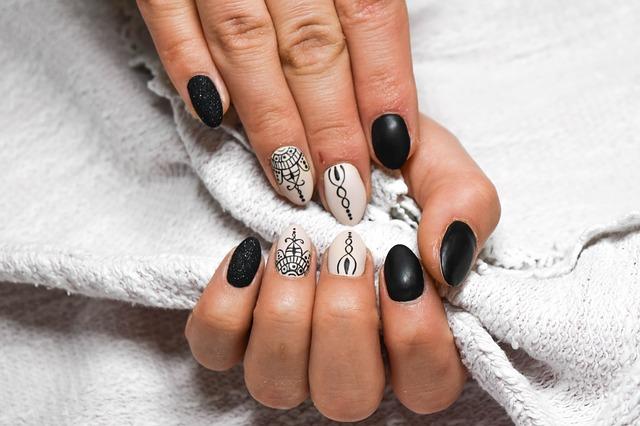 Comment rendre ses ongles jolis et originaux ?